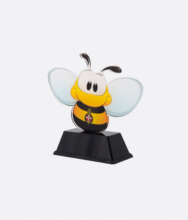 gracie bee on stand